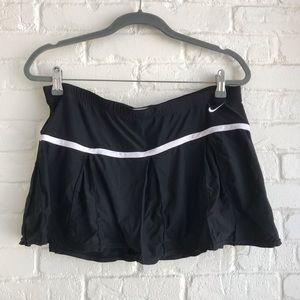 Nike Black & White Athletic Tennis skirt Large